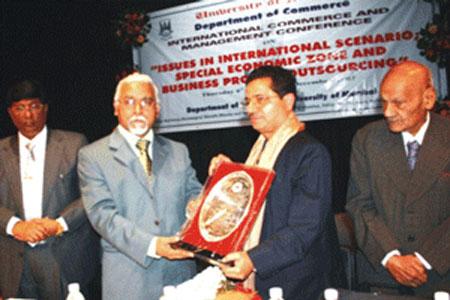 felicitation-Dr.K.M.Vasudevan-Pillai