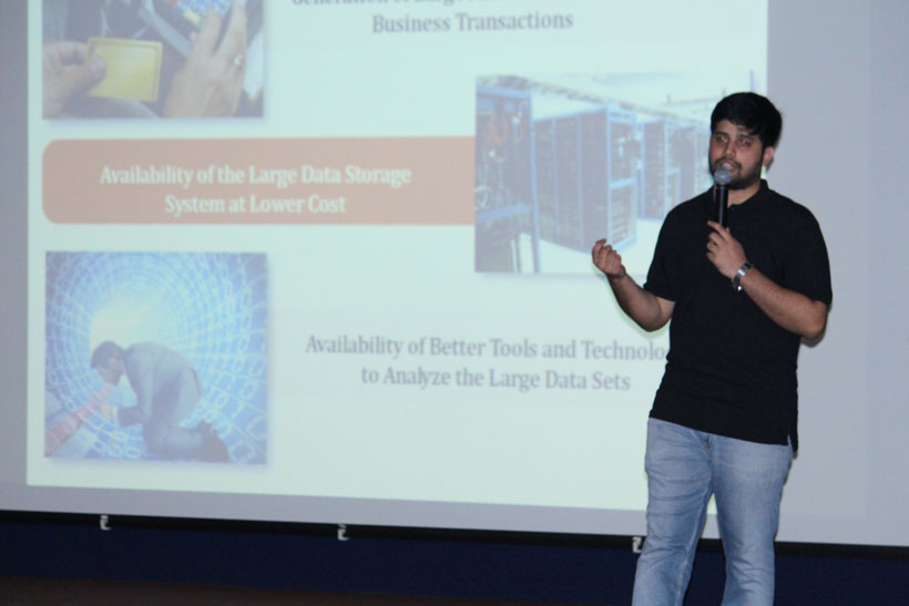 Seminar-on-Data-Analytics-Hadoop-and-Big-Data-(2)
