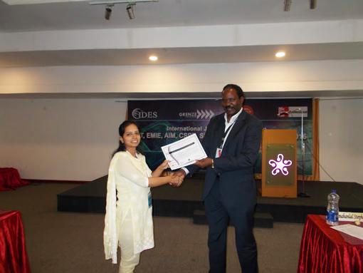 Ms.Pooja Pandey receiving-certificate-from-Dr.-Robert-Balagadde