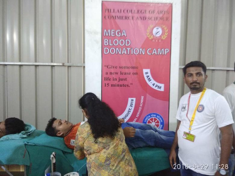 mega-blood-donation-camp (4)