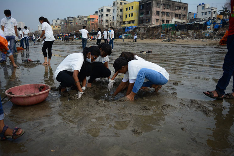 versova-beach-cleaning-campaign (2)